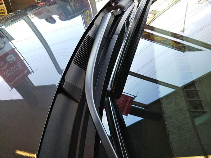 マツダ2〔MAZDA 2〕フロントガラスとワイパー写真詳細画像