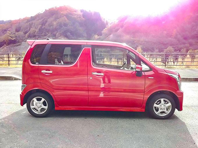 スズキ ワゴンR スティングレー 赤 サイドデザイン